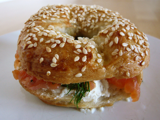 wpid-Lox_and_schmear_on_a_homemade_bagel_81_640.jpg